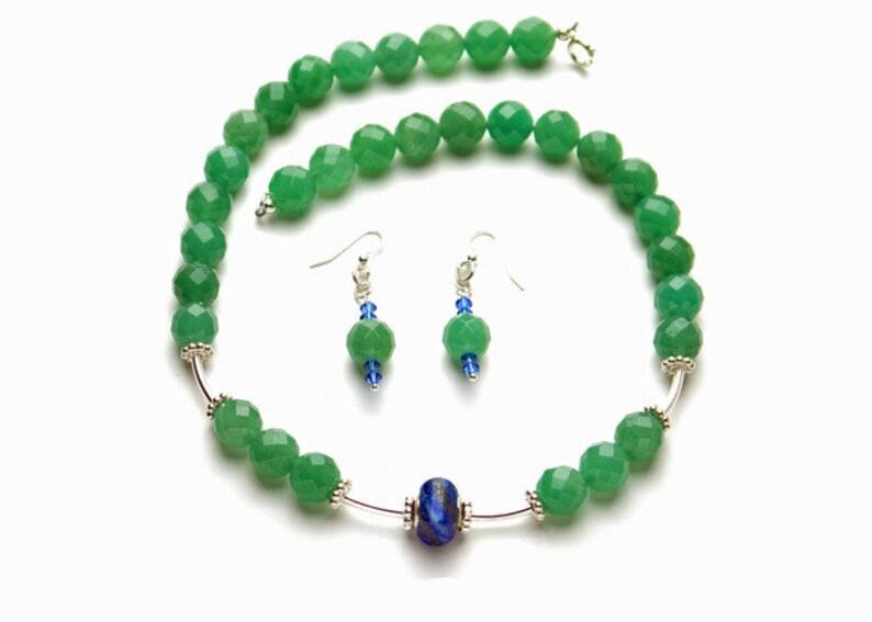 4f617ca75a24 Set: Collar y aretes con piedras preciosas y piedras de lapislázuli y plata  perlas/cierres/ganchos