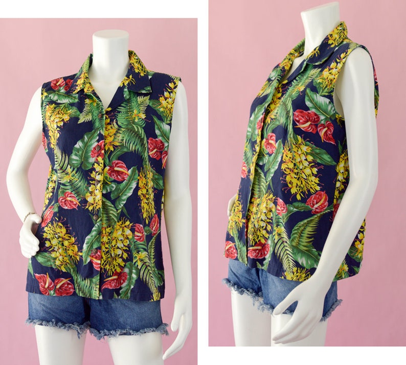 af151235ad62a8 70s Hawaiian Sleeveless Button Down Blouse Vintage Blue