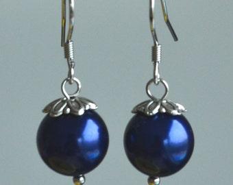 dangle navy blue earrings,navy blue glass bead earrings,8mm or 10mm navy bead earring,navy blue dangle earrings,navy blue earrings,wedding