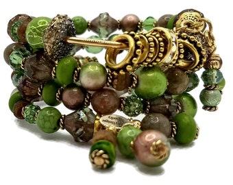 Peridot Green Memory Wire Bracelet, Green Wrap Bracelet, Beaded Bracelet, Stacked Bracelet, Gold Plated Bracelet,  Springy Bracelet