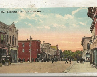 Columbus WI Columbia /& Dodge Counties ~ Small Town PC Wisconsin Early 1900s Divided Back DB Postcard: View of Ludington Street