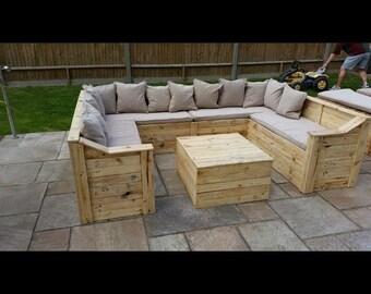 Rustic Horseshoe garden seating set