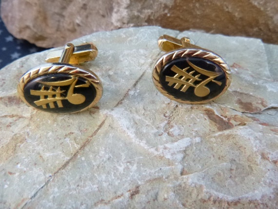 Musical Themed Mid Century Cuff Links Anson Black and Gold Asian Flair Musical Note Vintage Cufflinks