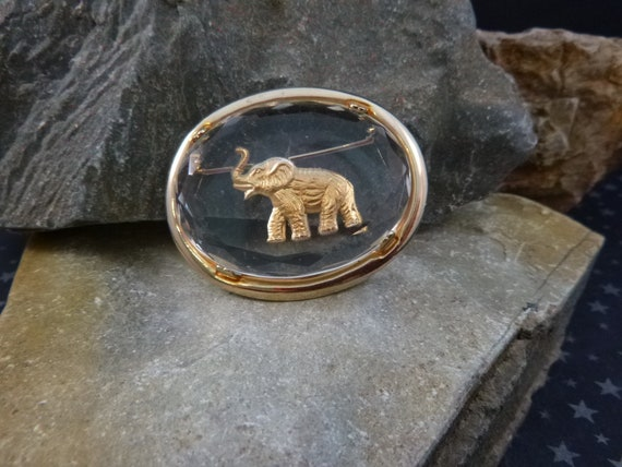 Republican Elephant in Glass Warner Vintage Brooch | Intaglio Reverse Carved Elephant | Political Republican Party Symbol Oval Pin