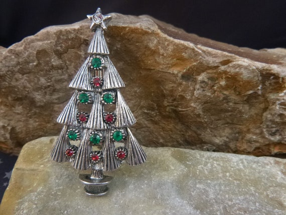Beatrix Red and Green Pewter Classic Christmas Tree Vintage Pin with Sparkling Rhinestones pre-l975 Book Piece