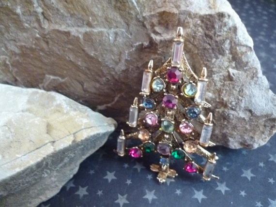 Hollycraft Unusual Christmas Tree Vintage Brooch 7 Candles Book Piece