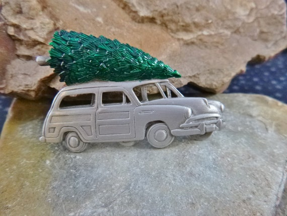 Woody with Christmas Tree on Top Vintage JJ Pin | Tree on Car Whimsical Pewter Holiday Pin | Book Piece