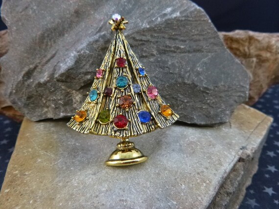Classic Hollycraft Christmas Tree Vintage Brooch in Tree Stand | Collectible Book Piece circa l970s Pin