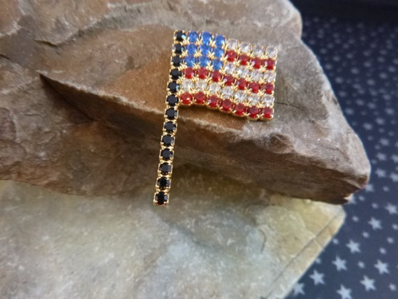 American Flag Rhinestone Pin | Vintage Dorothy Bauer | Sparkling Red White and Blue Patriotic Brooch | July 4th Memorial Day and More
