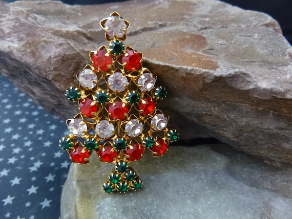Timeless Christmas Tree Vintage Brooch | Red Green and Clear Rhinestones Set in Star Shaped Pattern | Unsigned Beauty Holiday Pin