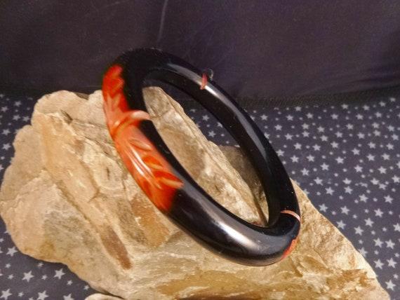 Two Tone Black Cut to Red Deep Carved Hard Plastic Vintage Bangle Bracelet