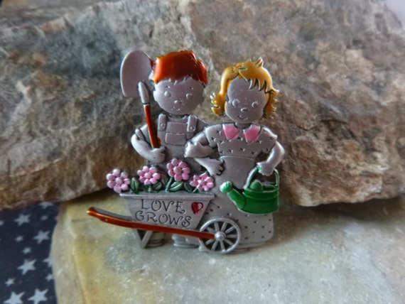 Love Grows Gardens and Gardeners Cute Pewter and Enamel Signed JJ (Jonette) Vintage Brooch