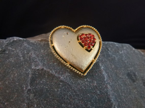 Rhinestone Heart Within a Heart Signed J.J. Vintage Gold Tone Textured Brooch