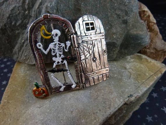 Skeleton Behind the Door Spooky Halloween Open-the-door Vintage Pin / Brooch With Bats, Black Cat and Jack O Lantern