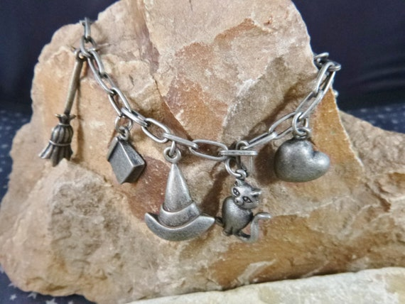 Halloween Witch Vintage Charm Bracelet  with 9 Charms | Witch Hat Broom Cat Spell Book Pot Heart Key and More | Spooky Fun Bracelet