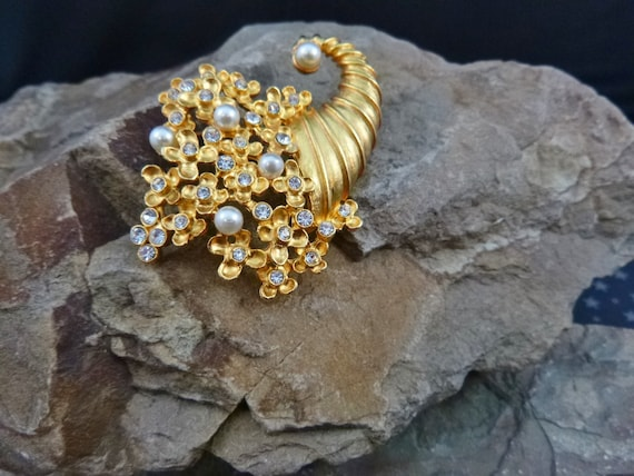 Bountiful Thanksgiving Cornucopia Vintage Brooch | Clear Rhinestones and Faux Pearls Set in Gilded Pin | Message of Abundance and Gratitude