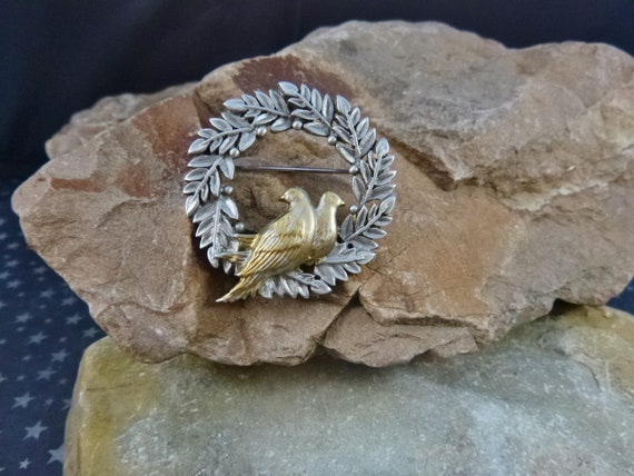 Doves of Peace Holiday Wreath Brooch | Vintage JJ Pewter Pin with a Timeless Message