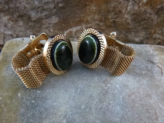 Green Oval with Mesh Wrap 1960s Cuff Links   Vintage Mid Century Cufflinks