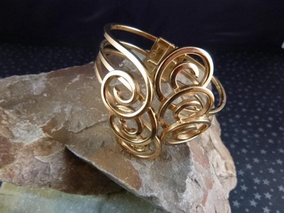 Ramé 1950s Rare Modernist Mid Century Bold Beautiful Clamper Hinge Cuff Swirl Bracelet