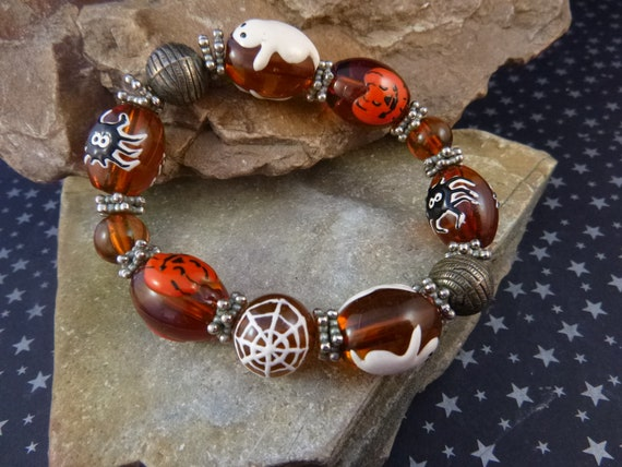Halloween Vintage Stretch Bracelet | Large Amber Colored Beads with Ghosts Spiders Pumpkins and More | Cute Spooky Fun