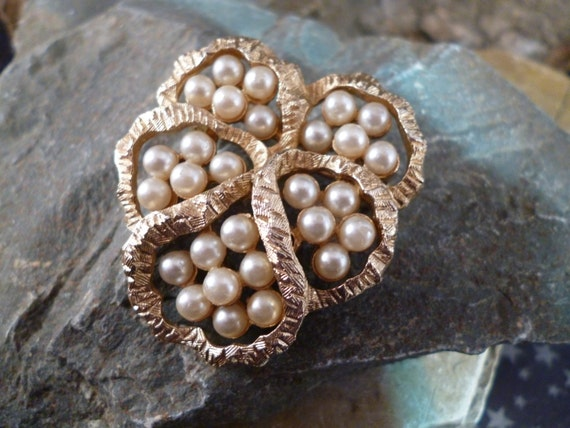 1960s Coro Signed Faux Pearls in Open Design Gold Tone Textured Brooch