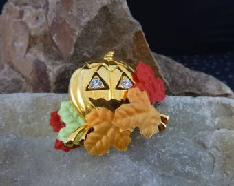 Halloween Jack O Lantern Surrounded by Colorful Leaves Vintage Avon Brooch in Original 1993 Box Fall Pin
