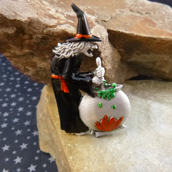 Ugly Old Spooky Witch Stirring and Brewing in Large Pot Vintage Halloween Signed JJ Pin