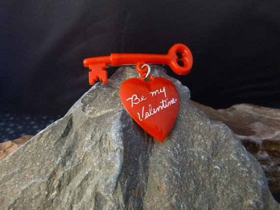 Be My Valentine Red Heart Brooch Mid Century Thermoset Vintage Plastic Heart Dangling from Key | Book Piece