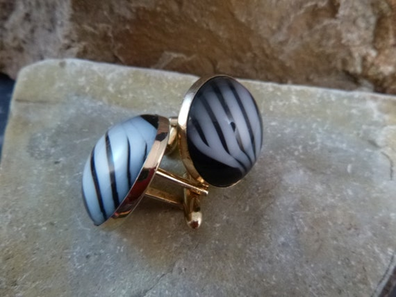 Swank 1980s Art Deco Flair Large Domed Grey and Black Marble Look Vintage Cuff Links / Cufflinks