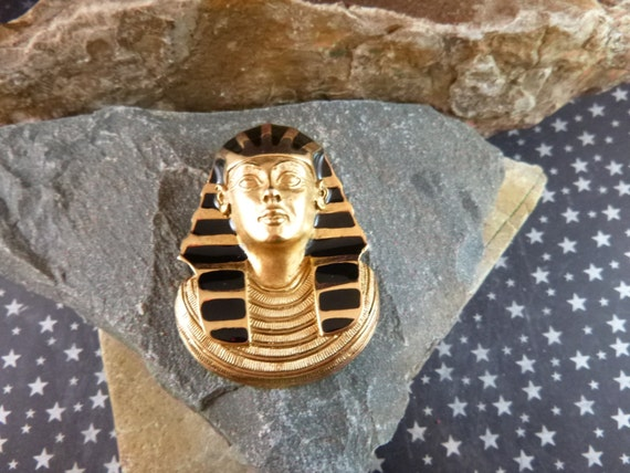 King Tut Egyptian Pharaoh Large E. Pearl Signed Vintage Statement Brooch and Pendant
