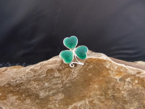 Mizpah Vintage Shamrock Irish Brooch   Enamel and Chrome Small St. Patrick's Day Pin