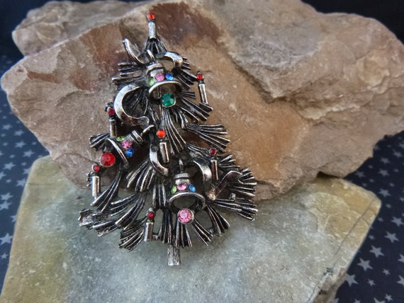 Pine Needle Vintage Christmas Tree Brooch | Book Piece | Unsigned Beauty | Timeless Large Christmas Pin