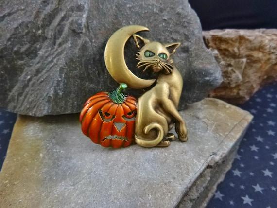 Halloween Cat Vintage Pin | Green-eyed Cat Moon and Jack O Lantern Pumpkin Pin Signed J.J. (Jonette)