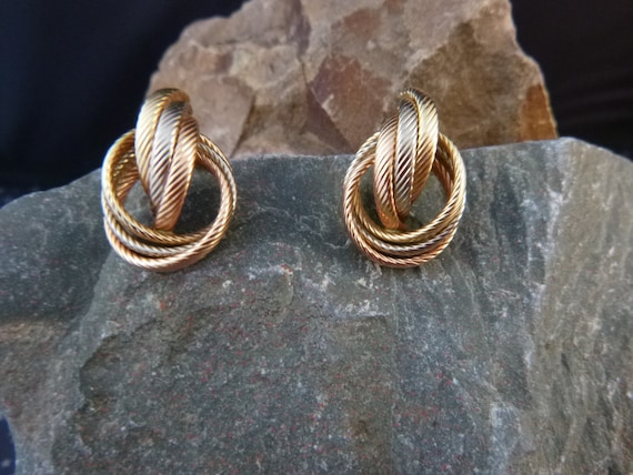 1980s Tri-Color 14K Gold Love Knot Earrings | Ribbed Yellow White and Rose Gold Earrings | Classic Pierced Earrings