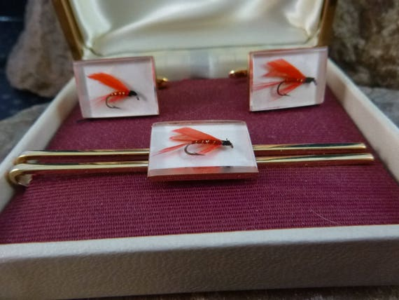 Hickok Fly Fishing Lure Glass Encased Fishhook Vintage Cuff Links and Tie Clasp | Hand Wrapped Red Feather Hook | Mid Century | Original Box