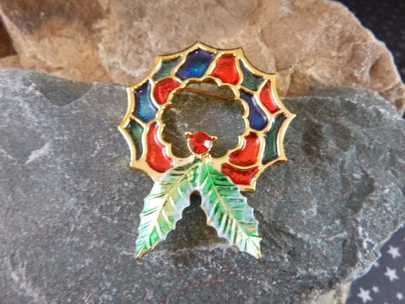 BJ (Beatrix) Holiday Wreath Vintage Christmas Pin With Stained Glass Look circa l970-80s