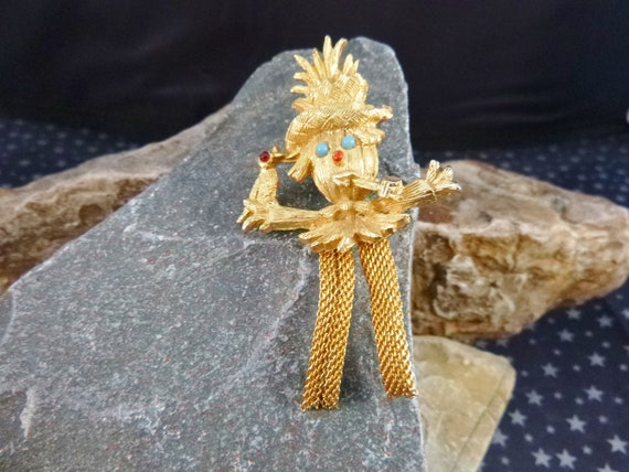 Cute Scarecrow Vintage Pin | Mesh Legs Straw Hat Bird Corncob Pipe | Fall Harvest and Halloween Figural Brooch