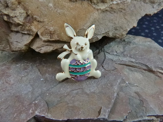 Little Bunny with Big Easter Egg Vintage Brooch | Easter Bunny Vintage Enamel Pin