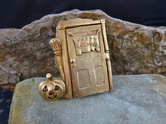 Cat Lover? Halloween Cats Behind the Door| Happy Halloween Open-the-door Vintage Pin |Trick or Treat Cats, Witch's Broom, and Jack O Lantern