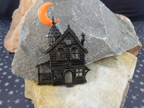 Spooky Cute Abandoned Haunted Black House Under Orange Moon | Vintage Haunted House Signed JJ Halloween Pin