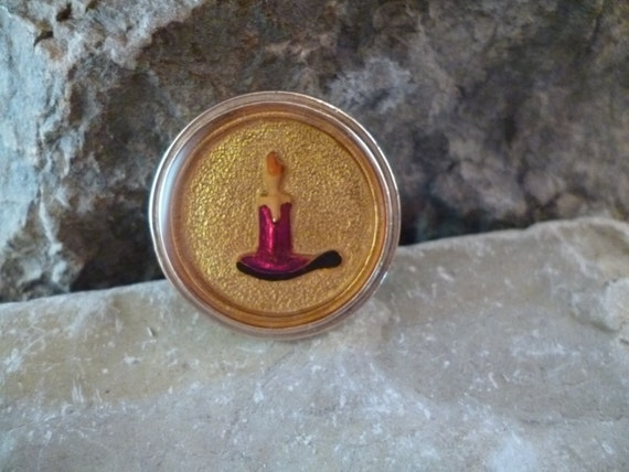 Light the Way Mid Century Christmas Candle Intaglio Style Vintage Brooch / Pendant circa l950s