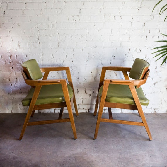 Mid-Centry Vintage Walnut  Gunlocke Armchairs Chair Pair