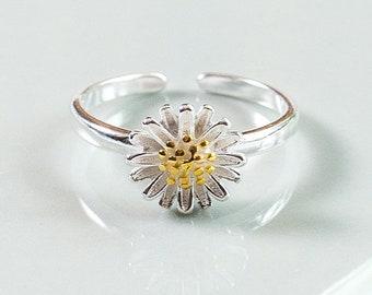 Sterling Silver Adjustable Daisy Ring