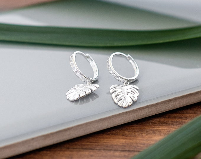 Featured listing image: Sterling Silver Little Leaf Earrings