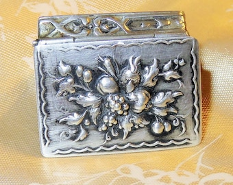 SALE! Antique J. D. Schleissner & Sohne Repousse 800 Silver and Gold Washed Patch Box-Snuff Box-Pill Box-Hanau Germany Hallmarks-Petite