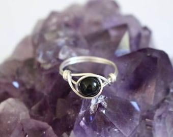 Onyx ring, black stone ring, gemstone wire ring, wire ring, wire wrapped ring, onyx stone ring, silver wire ring, silver ring, custom ring