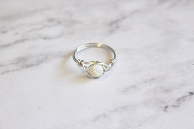 Shell ring, white shell ring, stone wire ring, wire wrapped ring, white stone ring, gemstone ring, gemstone wire ring, silver wire ring