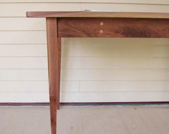 """The """"Sencillo"""" Desk"""