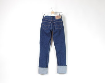 Vtg Levi's 501 deep blue denim jeans waist 28