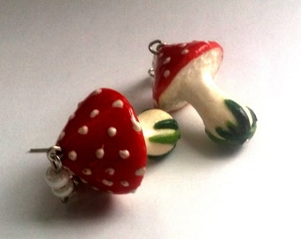 Red fly agaric - Funny earrings - Earrings with food - Red earrings - Earrings White - Natural - Wild agaric